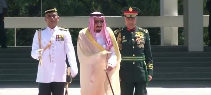 Επίσκεψη «μετακόμιση» του βασιλιά της Σ. Αραβίας στην Ινδονησία -Με αποσκευές 459 τόνων