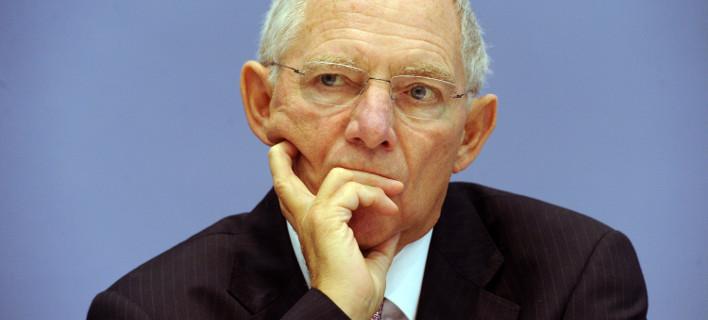 Financial Times: Ο Σόιμπλε επιμένει -Η Ελλάδα δεν μένει στο ευρώ με τον Τσίπρα πρωθυπουργό