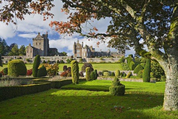 Κάστρο Ντράμοντ, Σκωτία