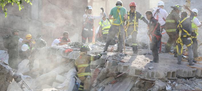 Φονικός σεισμός 7,1 Ρίχτερ στο Μεξικό-217 νεκροί, οι 21 μαθητές σε σχολείο [εικόνες & βίντεο]