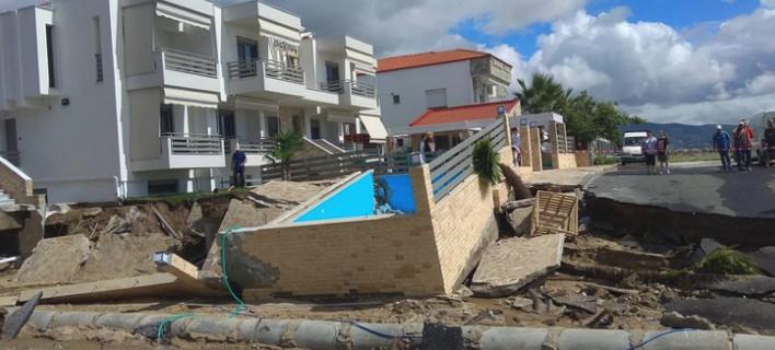 Καταιγίδα σαν τυφώνας: Ζημιές άνευ προηγουμένου στα Βρασνά, ξερίζωσε ολόκληρη πισίνα! [εικόνες]