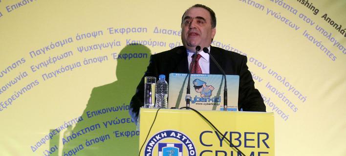 Με εντολή Τσίπρα παραμένει ο Σφακιανάκης επικεφαλής στη Δίωξη Ηλεκτρονικού Εγκλήματος