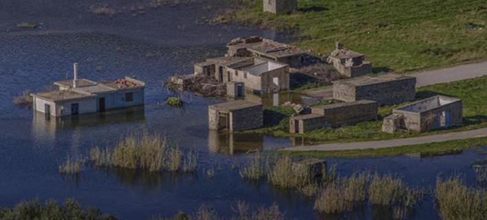 Μυστήριο με 65 σκελετούς στο χωριό της Κρήτης που βυθίζεται