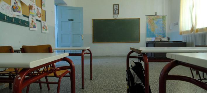 Λύθηκε το μυστήριο: 17 ανήλικοι πέταγαν ναφθαλίνη σε σχολεία του Αγρίνιου