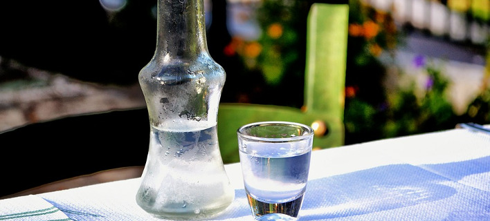 «θα καταστήσει τα εμφιαλωμένα παραδοσιακά ποτά μας μη ανταγωνιστικά» φωτογραφία: pixabay