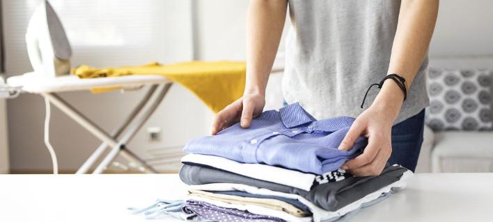 Το κόλπο για να έχεις σιδερωμένα ρούχα χωρίς να σιδερώσεις