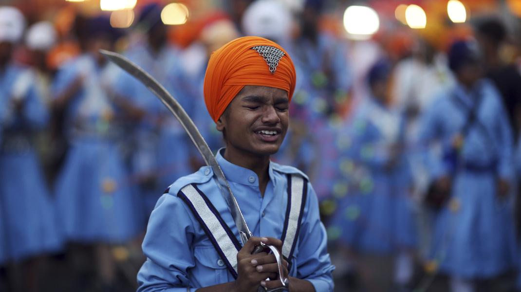 Προετοιμασίες για την επέτειο του πρώτου γκουρού των Σιχ στην Ινδία -Φωτογραφία: AP Photo/Mahesh Kumar A.