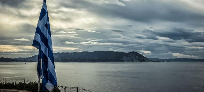 Η μάχη της επιβίωσης συνεχίζεται στην Ελλάδα μετά το πρόγραμμα, γράφει γερμανική εφημερίδα (EUROKINISSI/ Λ. ΠΟΥΛΙΟΣ)