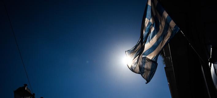 DW: Προβληματική η κατάσταση στην Ελλάδα -Φεύγουν οι νέοι, στενεύουν τα περιθώρια για τον Τσίπρα