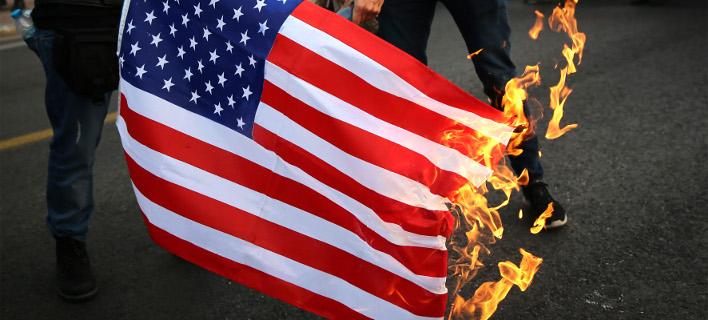 Πορεία του ΚΚΕ στην πρεσβεία των ΗΠΑ κατά τις επέμβασης στη Συρία -Φωτογραφία: Intimenews/ΚΑΠΑΝΤΑΗΣ ΔΗΜΗΤΡΗΣ