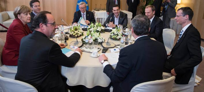 Συμβιβασμός στις Βρυξέλλες: Τι συμφώνησαν οι εταίροι με τον Τσίπρα