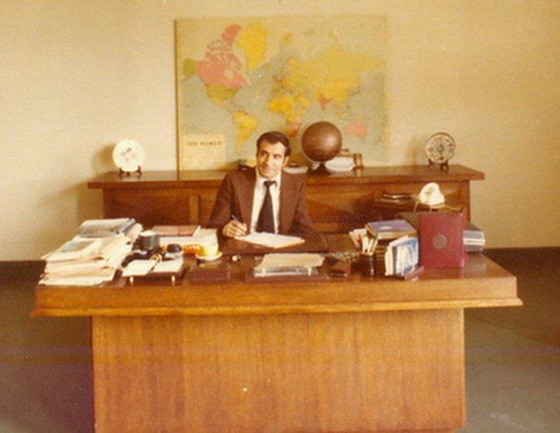 O Διονύσης Σιμόπουλος στο Ιδρυμα Ευγενίδου το 1975 / Φωτογραφία: Facebook