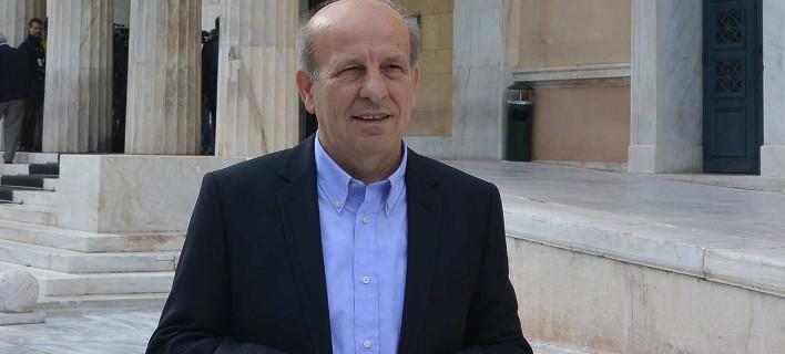 Οι Σαρακατσαναίοι γιούχαραν βουλευτή του ΣΥΡΙΖΑ στα Τρίκαλα [βίντεο]
