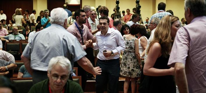 Πέρασε η πρόταση η Τσίπρα -Σε έκτακτο Συνέδριο το Σεπτέμβριο ο ΣΥΡΙΖΑ