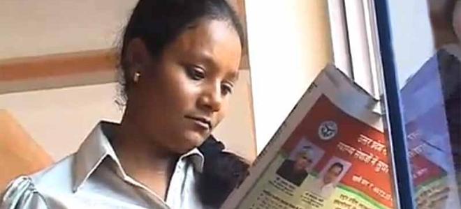 Αρούμινα Σίνχα: Η 25χρονη που έχασε το πόδι της όταν την πέταξαν ληστές από το τ