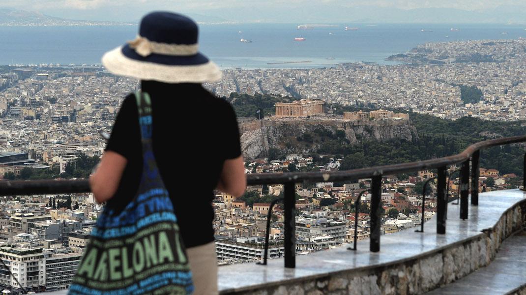 Συννεφιασμένη Δευτέρα στην Αθήνα