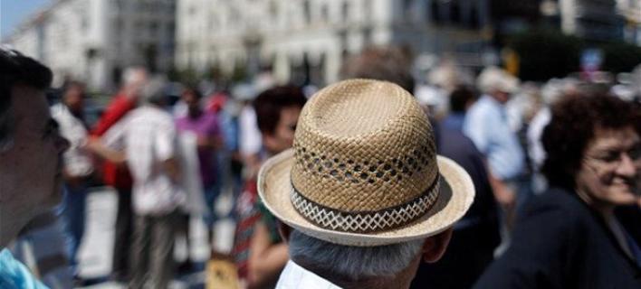 Πετσοκομμένες έως 30% οι νέες συντάξεις με το νόμο Κατρούγκαλου -Οι μεγάλοι χαμένοι