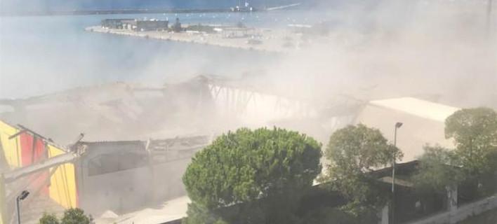 Ανησυχία στην Πάτρα: Η κατάρρευση του κτιρίου σήκωσε σκόνη από αμίαντο
