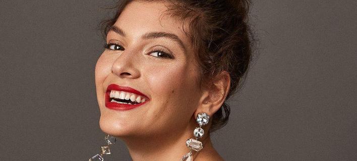 Τα σκουλαρίκια είναι το αξεσουάρ που θα απογειώσει τις γιορτινές εμφανίσεις σας/ Φωτογραφία: Instagram @baublebar