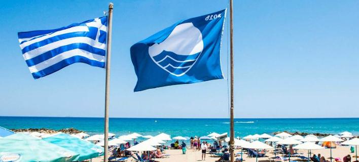 Η Ελλάδα δεύτερη παγκοσμίως σε «Γαλάζιες Σημαίες» -Με 519 βραβευμένες ακτές