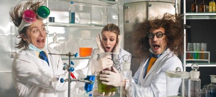 Τα πιο «απίθανα» βραβεία – Απονεμήθηκαν και φέτος τα «Νόμπελ της τρελής επιστήμης» [εικόνες]