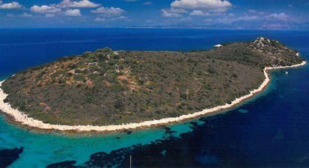 Αποτέλεσμα εικόνας για Το νησί που φημολογείται ότι αγόρασε ο Μέσι στο Ιόνιο
