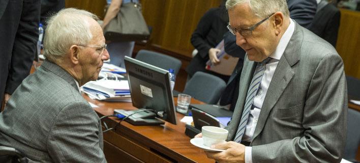 Handelsblatt: Ο Σόιμπλε σύμφωνος με την πρόταση του ESM για το ελληνικό χρέος