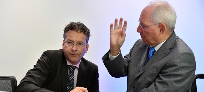 """""""Η Ελλάδα θα πάρει μετρητά και μια ιδέα για μελλοντική ελάφρυνση του χρέους"""" αναφέρει το Reuters"""