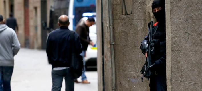 Τρομοκράτες σχεδίαζαν μαζική επίθεση στη Βαρκελώνη (Φωτογραφία: AP Photo/Joan Monfort)