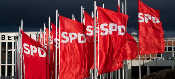 Αυτοκίνητο εισέβαλε στα γραφεία του SPD (Φωτογραφία: AP Photo/Markus Schreiber)