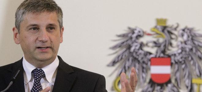 Σπίντελεγκερ: Η Ευρωζώνη μπορεί και χωρίς την Ελλάδα