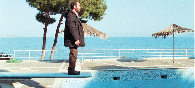 CINETROLL: Εξαφανίστηκε διάσημος τηλεπαρουσιαστής. Έντονοι φόβοι για τη ζωή του. Τι λένε οι επώνυμοι [video]