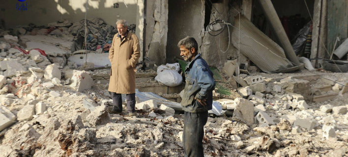 Συρία: 61 οι νεκροί από την αεροπορική επιδρομή σε αγορά στην Αταρέμπ