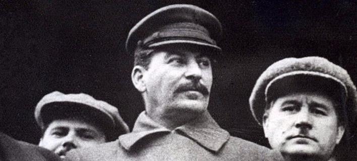 Η Αυγή «φακελώνει» πολιτικούς και ΜΜΕ και τα κατηγορεί για ...ναζισμό