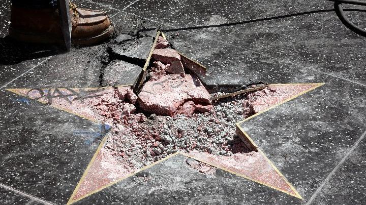 Δεν είναι η πρώτη φορά που το αστέρι του Τραμπ έχει καταστραφεί