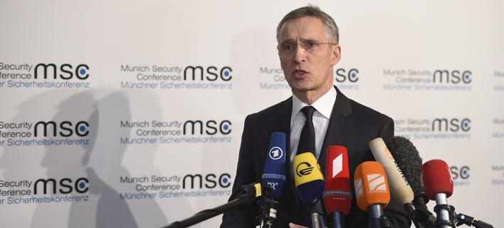 Στόλτενμπεργκ: Κίνδυνοι για το ΝΑΤΟ από την ενίσχυση στρατιωτικής συνεργασίας εντός της ΕΕ