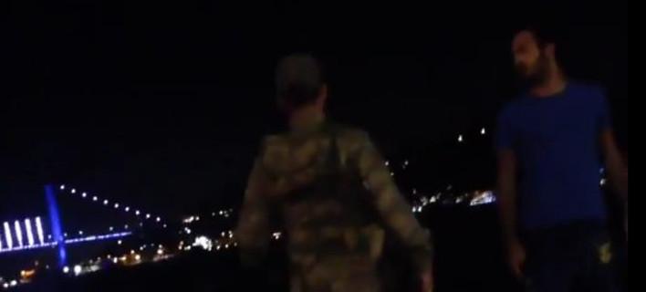 Στρατιώτης σε πολίτη: Είναι πραξικόπημα, πηγαίνετε σπίτι [βίντεο]