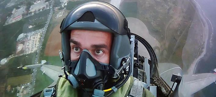 Ο επισμηναγός που συγκίνησε όλη την Ελλάδα στέλνει νέο μήνυμα: Καμία έκπτωση στην αποστολή μας [βίντεο]