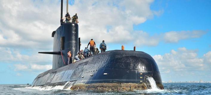 ΑΓΩΝΙΑ ΓΙΑ ΤΗΝ ΤΥΧΗ ΤΟΥ ΠΛΗΡΩΜΑΤΟΣ Η ζωή εν υγρώ τάφω -Οξυγόνο για άλλες 48 ώρες έχουν οι ναύτες του χαμένου υποβρυχίου