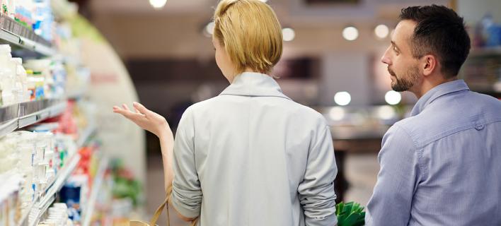 Οι καταναλωτές επισκέπτονται όλο και πιο συχνά σούπερ μάρκετ ως σημείο εξόδου / Φωτογραφία: Shutterstock