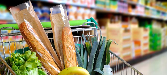 Καλάθι σε σούπερ μάρκετ/Φωτογραφία: Shutterstock