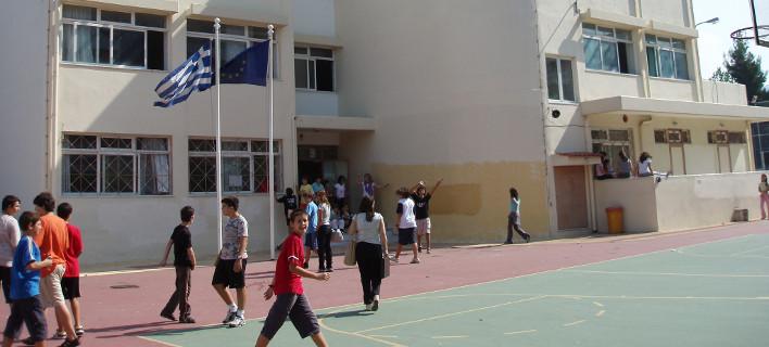 Υπουργείο Παιδείας: Πότε κλείνουν τα σχολεία για τα Χριστούγεννα