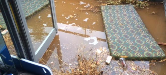 Η απόλυτη καταστροφή στην Φιλοσοφική Σχολή -Βανδαλισμοί, σκουπίδια και πλημμυρισ