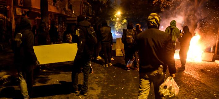 Από τα οδοφράγματα στα Εξάρχεια/Φωτογραφία: Eurokonissi