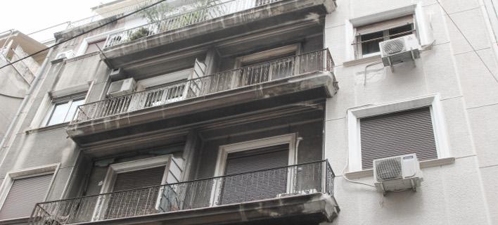 ΘΗΡΕΣΙΑ ΔΑΛΛΑ-ΠΟΛΥΖΩΗ Συμβολαιογράφος: Προβοκάτορες οι κουκουλοφόροι του Ρουβίκωνα -Δεν έχω εκπλειστηριάσει πρώτη κατοικία
