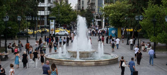 Στιγμιότυπο από την πλατεία Συντάγματος-Φωτογραφία: Eurokinissi/Λυδία Σιώρρη