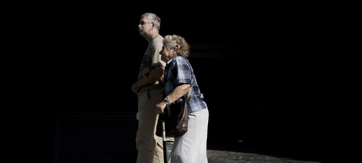 Ζευγάρι Ελλήνων συνταξιούχων / Φωτογραφία: AP