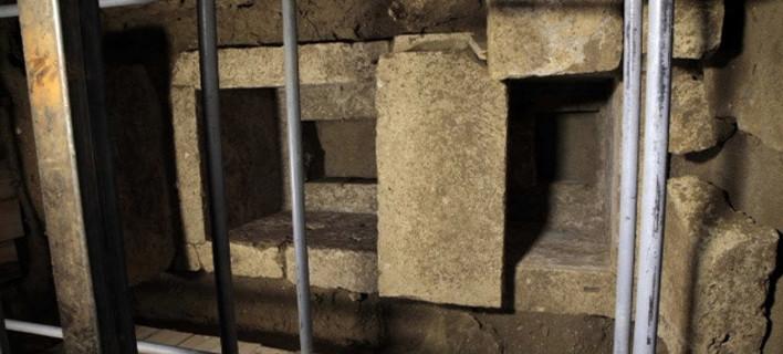 Η Ντόροθι Κινγκ επιμένει: Γιατί πιστεύει ότι ο Ηφαιστίωνας είναι ο νεκρός της Αμφίπολης