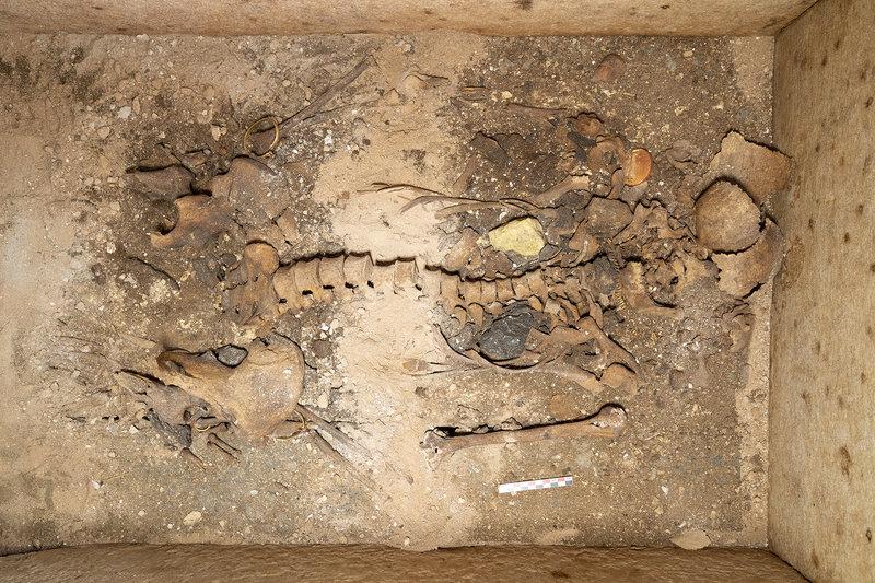 Στο φως ασύλητος τάφος επιφανούς γυναίκας στη Σίκινο/ Φωτογραφία eurokinissi