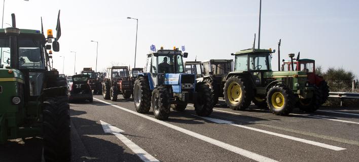 «Ζεσταίνουν» τα τρακτέρ τους οι αγρότες -Πέμπτη απεργία, Κυριακή αποφασίζουν κινητοποιήσεις